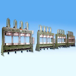 four molds hydraulic type BOM press