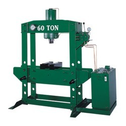 AUTOMATIC-HYDRAULIC-PRESS