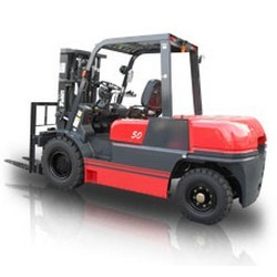 ICE-Counterbalance-Trucks-Forklift-Truck-2