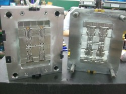 Plastic-Injection-Mold