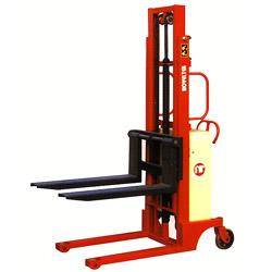 manually propelled powered lifting pallet stackera