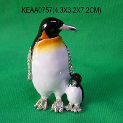 mum and baby penguin box