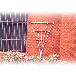 pvc-expanding-trellis-fence-lattice