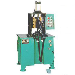 seat tube slot punching machine